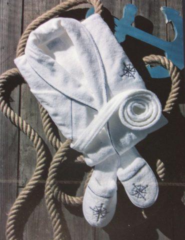 Махровый халат с тапочками Marine club (белый) - шалька