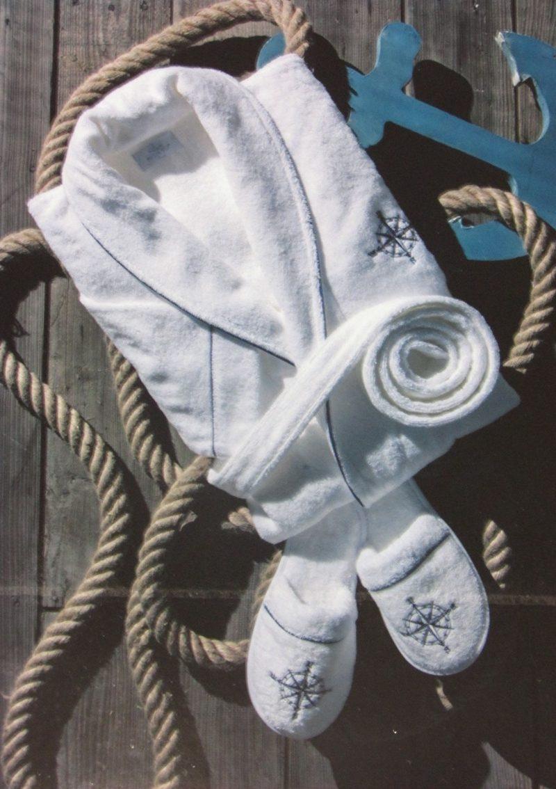 Махровый халат с тапочками Marine club (белый)