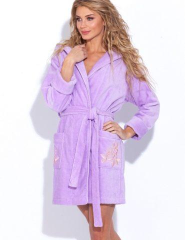 Нежный махровый халат с капюшоном Le Rosé (лиловый)
